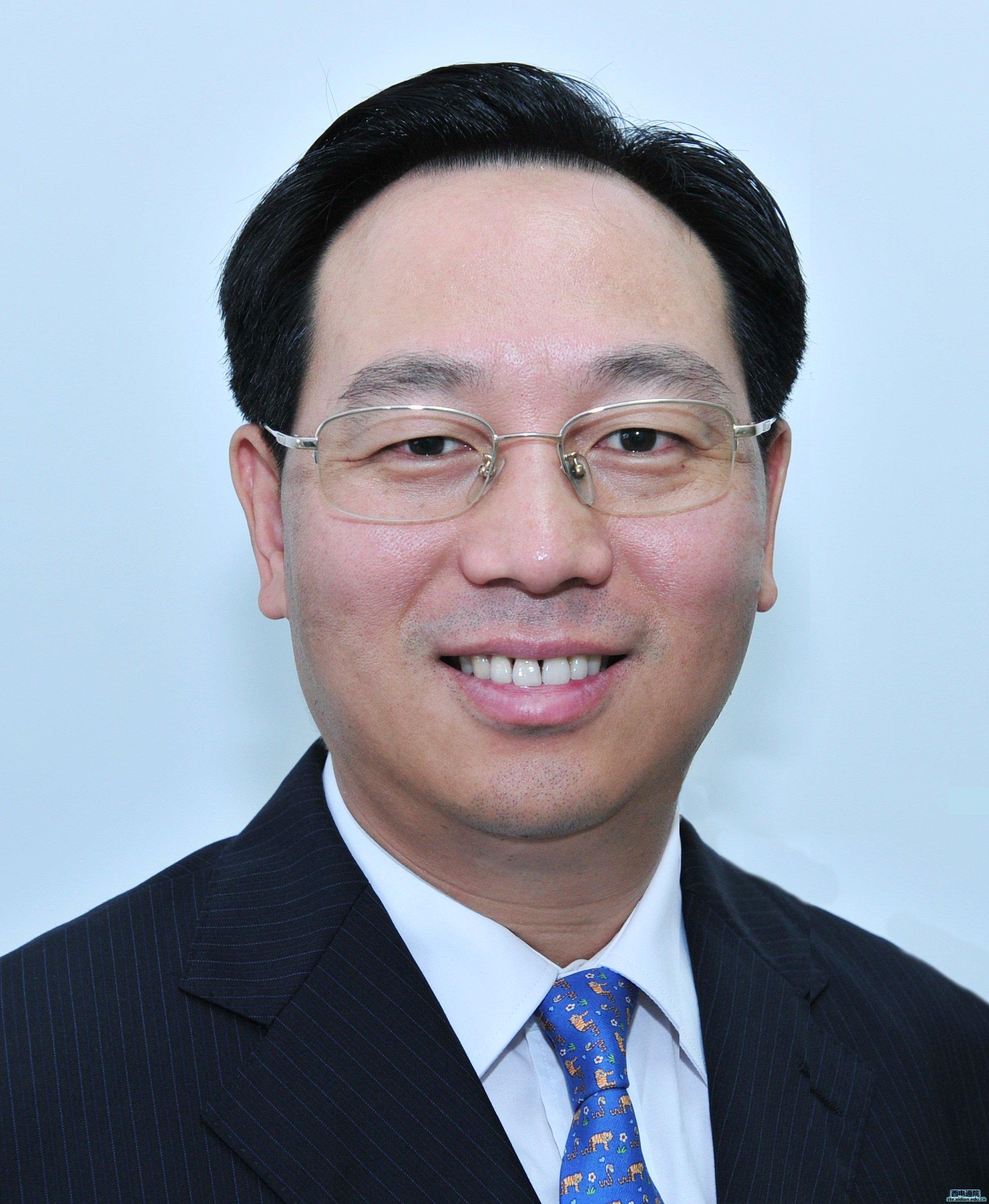 副总裁,总工程师;中芯国际集成电路制造有限公司董事.